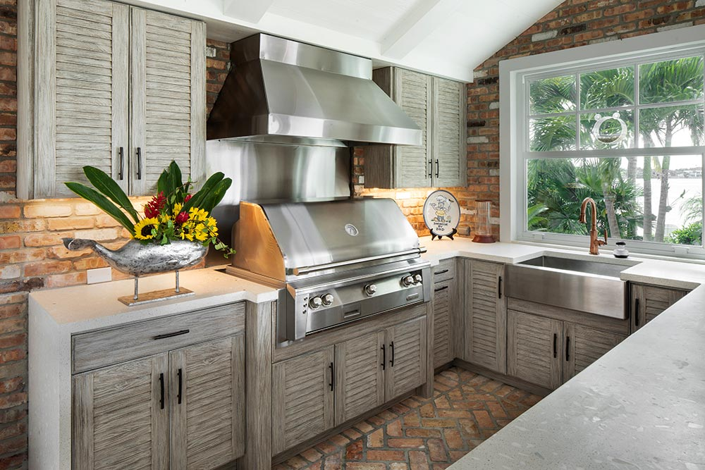 Outdoor Kitchens - Redwood Cabinetry